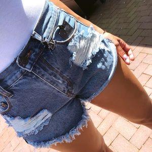 Pants - 25% OFF BUNDLES🌟'SELENAS High waisted denim short